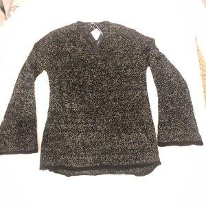 Zara Sweaters - Black V-Neck Zara Top. Sz Lg